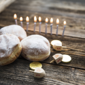 נשמתון לחנוכה – שמונה בוגרות מאירות